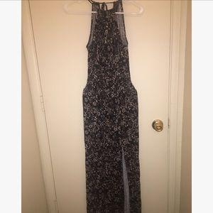 Dresses & Skirts - Halter summer dress